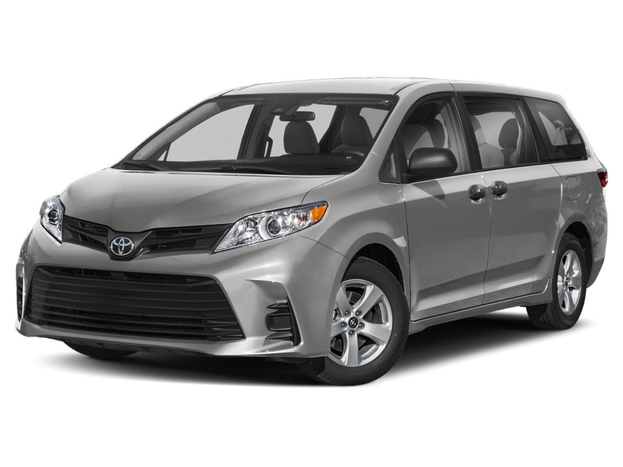 2018 Toyota Sienna Vehicle Photo in GARDNER, MA 01440-3110